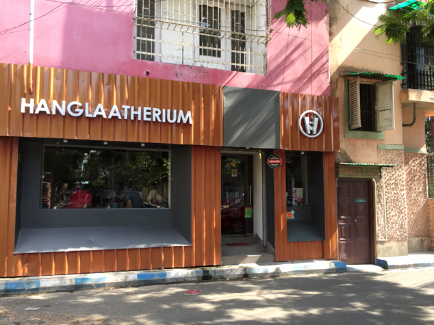 Say Hello to Hanglaatherium: Kolkata's top address for butter chicken and more